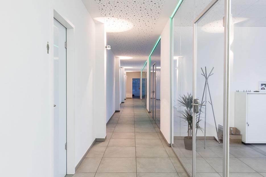 straka-3d-lasertechnik-flur-bueroraeume-velbert